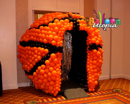 Walk Through Basketball Tunnel Balloon Utopia