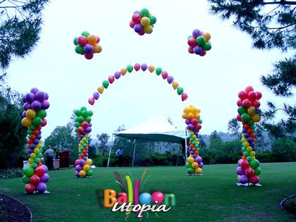Graduation decor on pinterest kindergarten graduation for Balloon decoration for corporate events