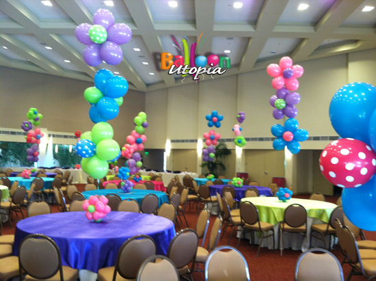 Balloon Flower Centerpieces in Bright Spring Colors