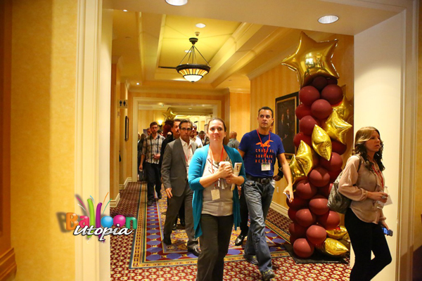 Stairway to Stars Column Leads Attendees To General Session
