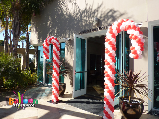 candy cane balloon entrance - Christmas Balloon Decor