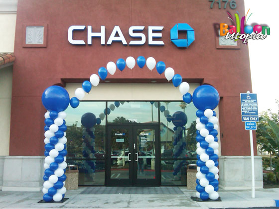 Chase bank entrance