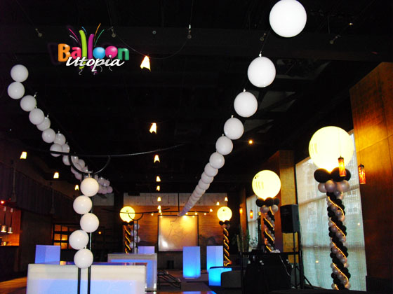Cafe Japengo Balloon Lanterns